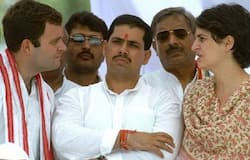 is Robert Vadra planning to kick start political inning through amethi pitch