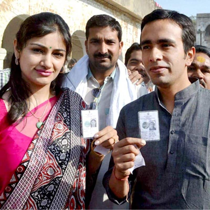 Jayant Chaudhary married Charu Singh on August 14, 2003. Charu Singh has a multi-brand store called Zooki located in Meherchand Market, Lodhi Colony.