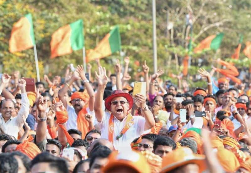 The Palace Grounds in Bengaluru reverberated with chants of 'Modi' and 'Chowkidar' as Prime Minister Narendra Modi arrived on Saturday evening