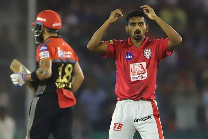 Mohammed Shami's dismissal of Kohli as he was caught by M Ashwin, gave Punjab hopes of winning the game. RCB was at 128 for the loss of two wickets.