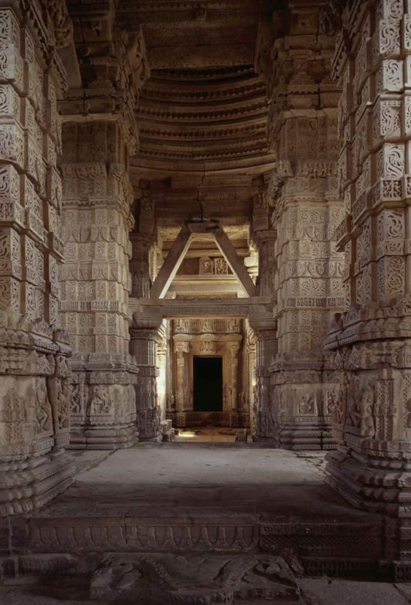 There is Saas-Bahu mandir situated in Gwalior, Madhya Pradesh too.  It is located near the Gwalior Fort.