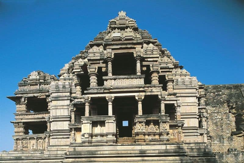 The smaller Bahu temple in Gwalior is largely damaged but an image of Vishnu, Brahma and Mahesh (Shiva) can still be seen.