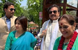 Shatrughan sinha supported his wife election campaign but keep away from congress campaign