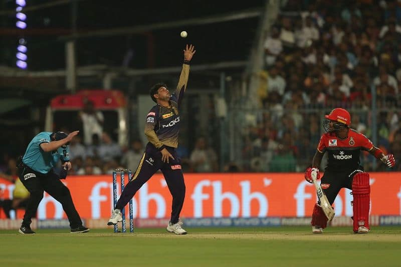 Kuldeep Yadav faced a brutal over as Moeen Ali was on a run scoring spree. He scored three sixes and two boundaries. Ali was caught by Prasidh Krishna at Long on.