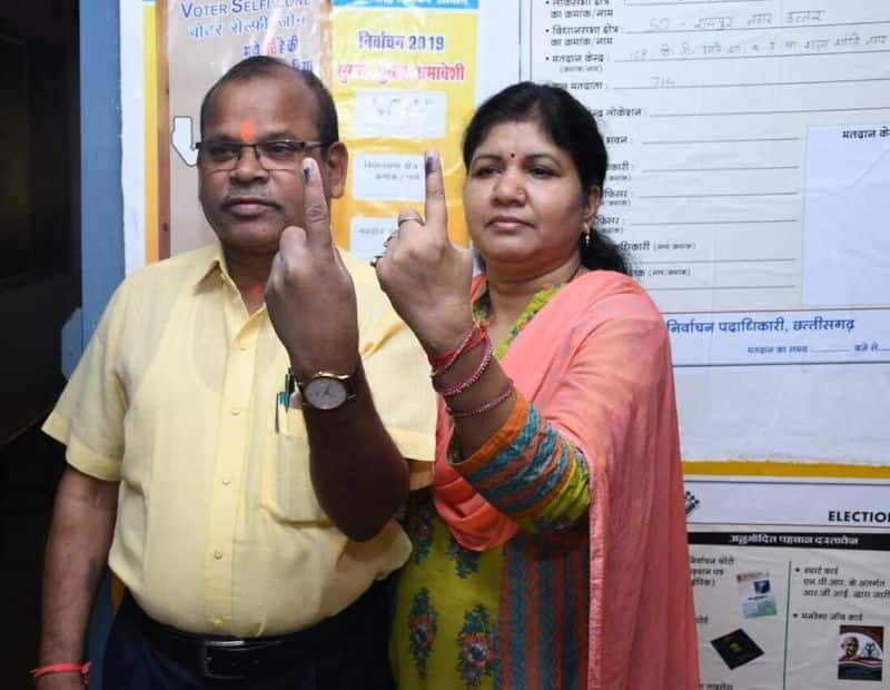 Raipur Commissioner Govind Ram Churendra on Tuesday morning cast his vote along with his family. He was among the first to cast his vote in Chhattisgarh.