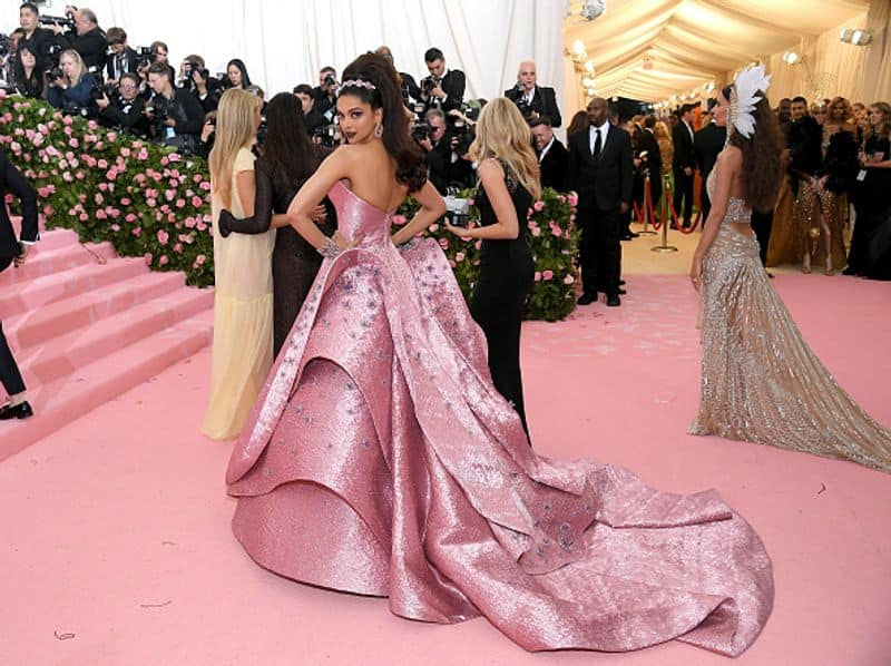 Deepika Padukone walked the pink carpet last night at Met Gala 2019. For her third appearance at the Met, Deepika chose a Zac Posen custom pink lurex Jacquard gown, embellished with 400 three-dimensional embroidered pieces