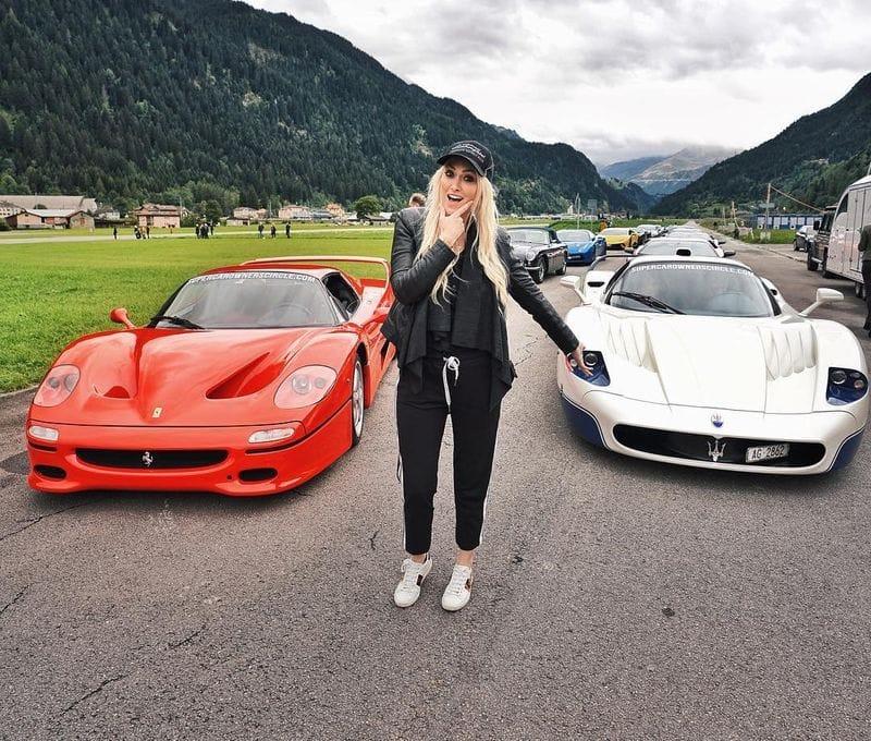 एलेक्स ने Ferrari 488 GTB, the 488 Spider, the Mclaren 570s and 540c, the Bentley GT3R, GT Speed and V8s, Mercedes AMG GTs, Lamborghini Huracan और इससे भी कई ज्यादा कारें चलाई हुई हैं।