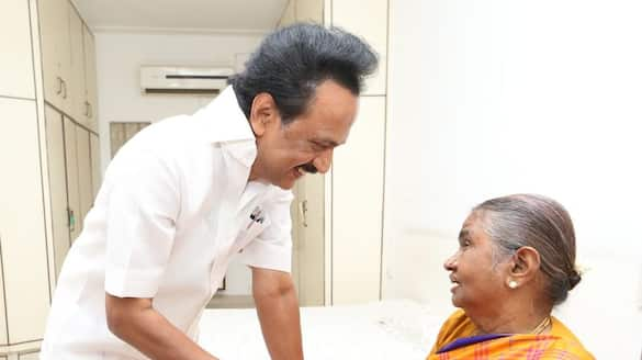 Stalin got blessing with he's mother .. Sentiment in Gopalapuram home ..
