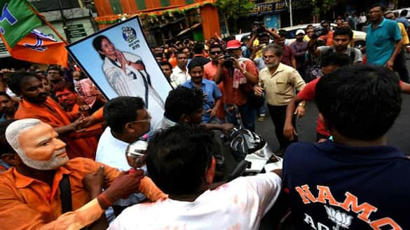 Trinamool workers at the victory celebration without maintaining covid rule