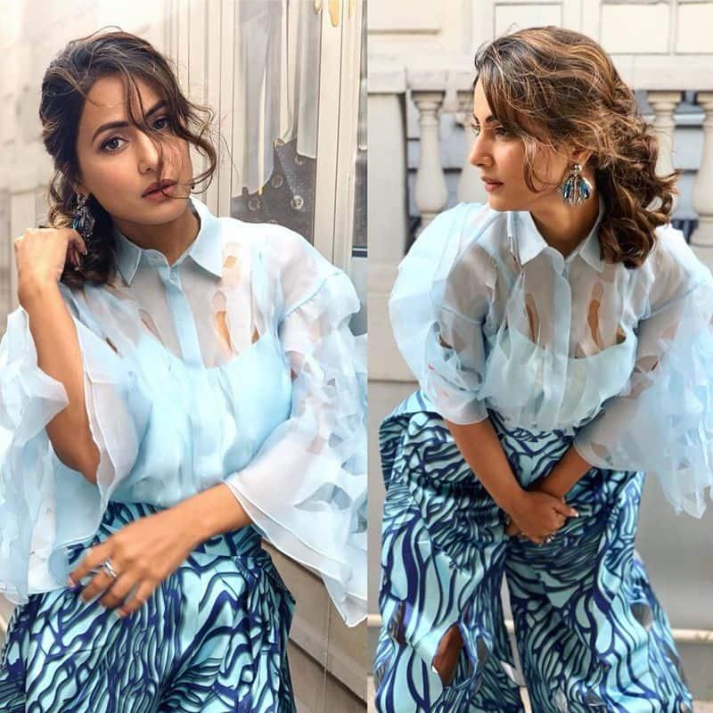 कभी आसमानी ब्लू रफल ड्रेस में हिना छाईं हुई हैं तो कभी फ्लोरल ड्रेस पहने हुए।