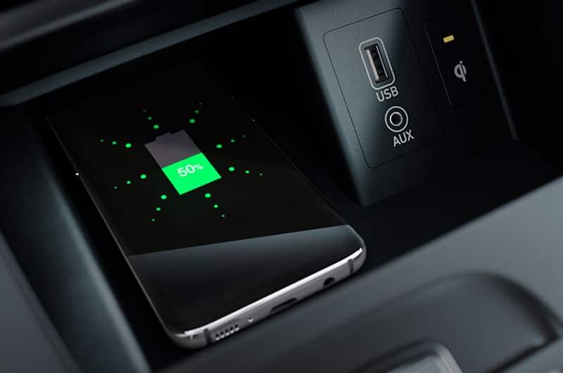 """<p style=""""text-align: justify;""""><strong>Myth:</strong> Wireless charging heats up your phone excessively<br /> <strong>Reality:</strong> Heating up while charging is standard; it's not excessive. And wireless charging doesn't affect your smartphone's performance.</p>"""