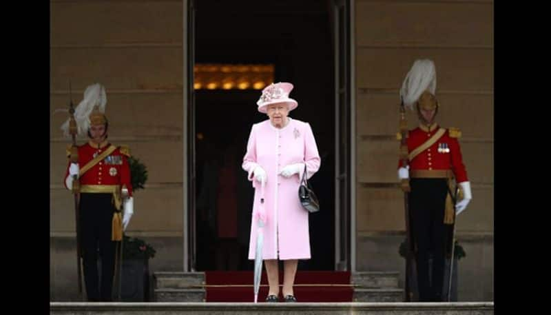 Queen Elizabeth II arrives for a photo opportunity and meeting with the World Cup 2019 captains