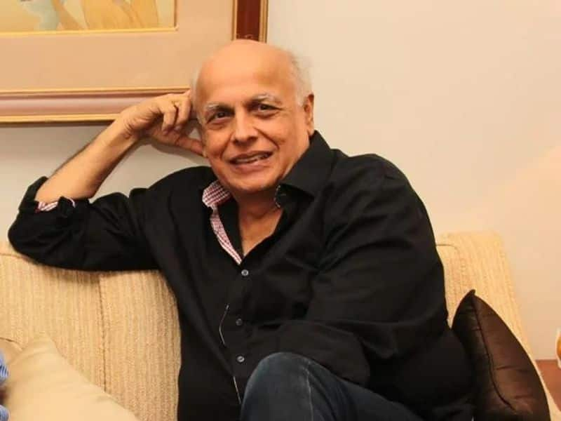 Mahesh Bhatt: Popular Indian film director and producer. He is the father of well known actresses Alia Bhatt and Pooja Bhatt. He converted to Islam to marry Soni Razdan. As per reports, Mahesh does not  practice the religion