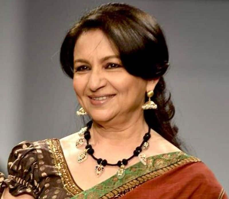 Sharmila Tagore: The actress known for her works in Hindi and Bengali cinema. She was one of the highest paid actresses of Indian cinema. Sharmila fell in love with the famous cricketer Mansoor Ali Khan Pataudi. She had to convert to Islam to marry Mansoor. She converted and took on the name Ayesha Sultana.
