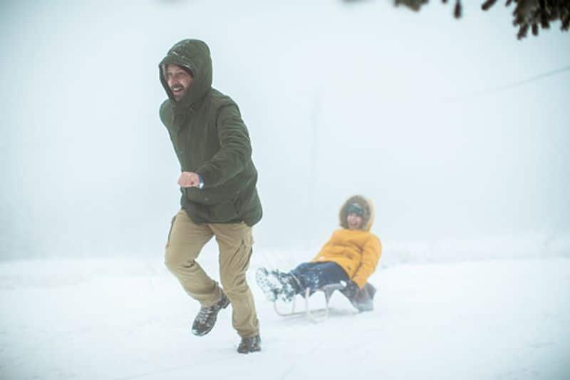 लू से प्रभावित व्यक्ति को ठंडी जगह पर ले जाने में देरी ना करें।