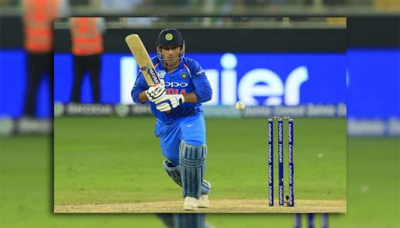 महेंद्र सिंह धोनी ने ये बात साबित कर दी कि वो टीम के लिए अहम हिस्सा हैं। जिसतरह से वर्ल्ड कप से पहले उनके चयन  पर कई सवाल सवाल उठे थे लेकिन उन्होंने किसी की भी परवाह किये बिना हमेशा से ही अपने खेल के जरिये सबका मुँह बंद किया है। उनकी कप्तानी के अनुभव का फायदा मैदान में विराट कोहली को तो मिलता ही है साथ ही साथ उनके जैसा फुर्तीला और समझदार विकेट कीपर मौजूदा क्रिकेट में दूसरा कोई नहीं है। जितना उम्दा वो विकेट के पीछे कीपिंग करते हैं उसे भी ज़्यादा उम्दा वो गेंदबाज़ो को समय-समय पर गेंदबाज़ी के टिप्स देते हैं जो बिलकुल सटीक होते हैं। बैटिंग में भी वो मैच विनर कहलाते हैं। आज उन्होंने जिसतरह से विकेट के दूसरे छोर पर खड़े रहकर रोहित शर्मा का साथ दिया वो ये बात फिर से साबित करता है कि टीम में सीनियर प्लेयर का होना टीम के लिए रीढ़ की हड्डी का काम करता है। और आज उन्होंने रोहित का साथ निभाते हुए 46 गेंदों में 34 रन की अहम पारी खेली। जिसकी वजह से भारत 6 विकेट से ये मैच जीत पाया।