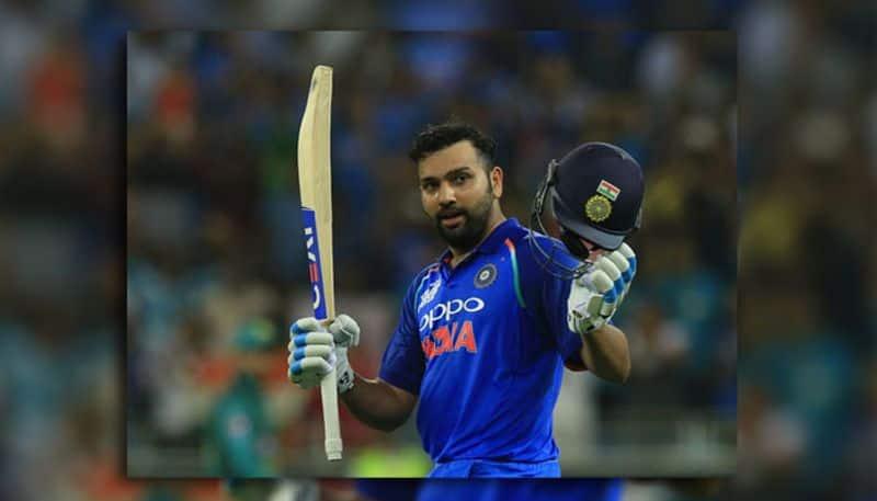 """रोहित शर्मा भारतीय क्रिकेट टीम के """"द हिटमैन"""" कहलाये जाने वाले बल्लेबाज़ ने एक बार फिर अपना जलवा आज के मैच में दिखाया। भारतीय टीम के दूसरे सलामी बल्लेबाज़ शिखर धवन के मात्र आठ रन पर आउट होते ही टीम पर दबाव आगया। उसके बाद कप्तान कोहली और के एल राहुल भी कुछ खास नहीं कर पाए और टीम पर दबाव बनता रहा। लेकिन रोहित शर्मा दूसरे छोर से डेट रहे और एक शानदार पारी खेली और मैच के आखरी तक मैदान में खड़े रहे। आज के  मैच में रोहित शर्मा ने शानदार शतक जड़ते हुए टीम को ये मैच आसानी से जीता दिया। उन्होंने 144 गेंदों का सामना करते हुए 13 चौकों और 2 छक्कों की मद्दद से 122 रनों की नाबाद पारी खेली। और इसी के साथ इस विश्व कप में वो भारत की तरफ से शतक लगाने वाले पहले बल्लेबाज़ रहे।"""