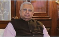 <p>This time a counter FIR has been lodged against Tathagata at the Hare Street Police Station, although Tathagata has deleted Saini's tweet from his Twitter handle. Saayani Ghosh also alleged that she has been constantly attacked on social media and many people have given her rape threats.&nbsp;<br /> &nbsp;</p>