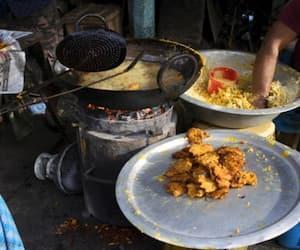 A few Street Food Destinations of Kolkata
