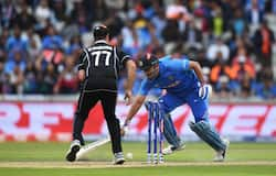 Run Out Dhoni