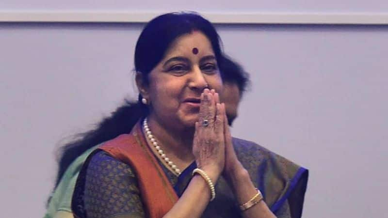 Sushma Swaraj's husband and other family members, along with Dr Harshvardhan, Piyush Goyal, Pralhad Joshi and Nitin Gadkari, are present at AIIMS.