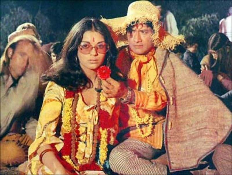 "Dev Anand - Zeenat Aman (Hare Rama Hare Krishna)  Bollywood's most romantic pairs, Dev and Zeenar, were once seen playing the role of brother and sister. Their song ""Phoolon ka taaron ka…"" became the most popular song of Raksha Bandhan day."