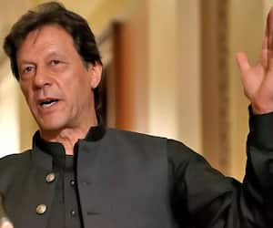 Pakistan PM Imran Khan ask to party workers highlight kashmir issue in world  forum