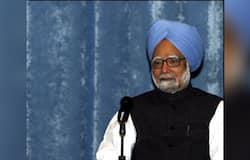 मनमोहन सिंह: कांग्रेस के नेता मनमोहन सिंह दो बार बाईपास सर्जरी करवा चुके हैं। एक बार 1990 में तो दूसरी बार 2009 में उनकी बायपास सर्जरी की गई थी। इसके अलावा वो कार्पल टनल सिंड्रोम और प्रोस्टेट प्रॉब्लम्स और एंजियोप्लास्टी की भी सर्जरी करवा चुके हैं।