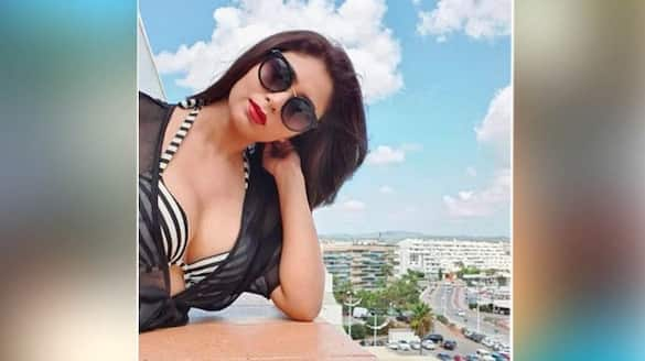Ritabhari Chakraborty looks hot in bikini at sandiego sea beach BRD
