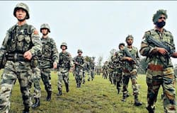 tension between indian and chinese army in ladakh area