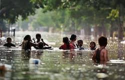 पटना सहित राज्य के तमाम बाढ़ग्रस्त इलाकों में  जिला प्रशासन, NDRF और SDRF संयुक्त रूप से रेस्क्यू ऑपरेशन चला रही है। लोगों को सुरक्षित जगहों पर पहुंचाया जा रहा है। फंसे हुए लोगों तक दवाइयां, खाना और पीने का पानी पहुंचाया जा रहा है। अगर पटना की बात करें, तो यहां के कंकर बाग, राजेंद्र नगर और पाटलिपुत्र इलाके पूरी तरह बाढ़ में डूबे हुए हैं। पानी को बाहर निकालने छत्तीसगढ़ से अधिक क्षमता वाले पंप बुलवाए गए हैं। हालांकि अब भी शहर डूबा हुआ है।