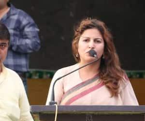 Tiktok star Sonali Phogat apologises for calling those who don't say Bharat Mata Ki Jai as Pakistanis