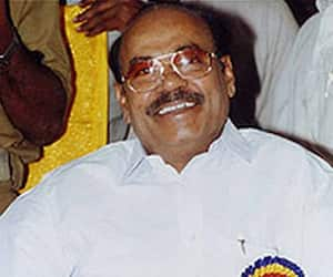 Dr.ramadoss advised Indian youth
