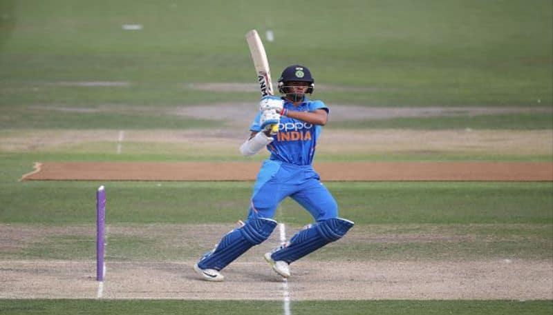 Teen Indian batsman Yashasvi Jaiswal creates history with his double century in Vijay Hazare trophy