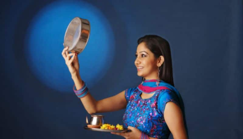 According to Astrology auspicious colors for Karwa Chauth