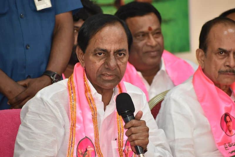 telangana cm kcr serious comments on rtc strike
