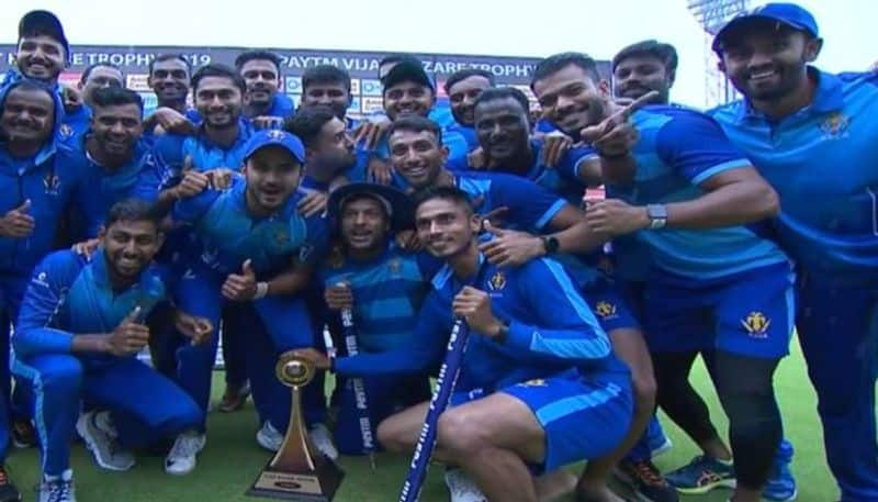 Vijay Hazare Trophy Karnataka won the toss Elected to Bowling first Against Kerala in Bengaluru kvn