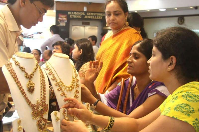 Gold kept at home can become a problem, government is preparing to impose tax