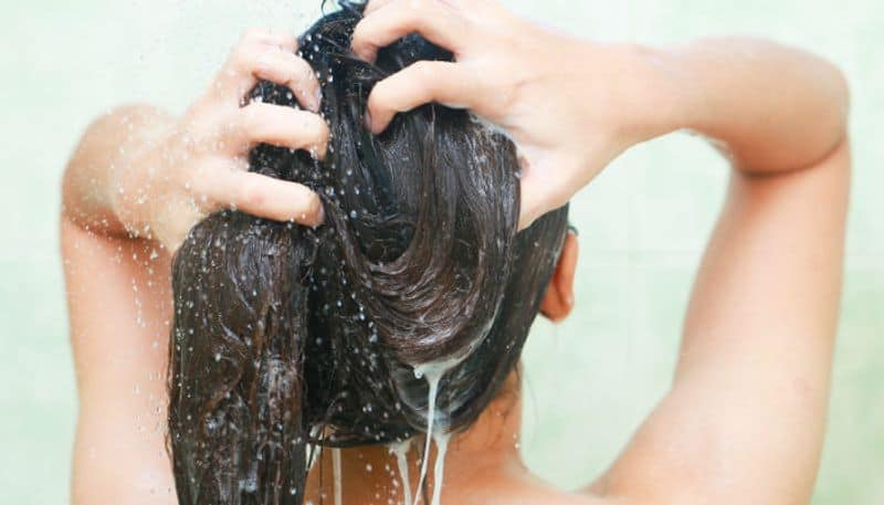 Take care of your hair in rainy know the tips