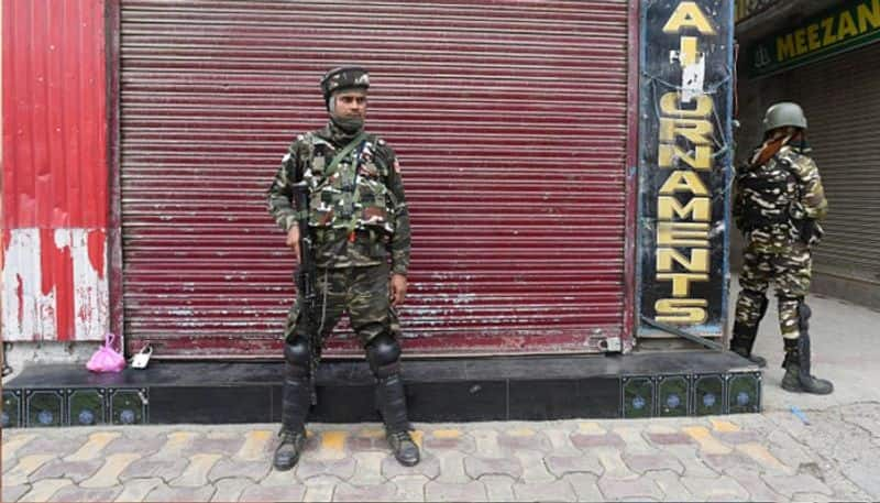 kashmir under shutdown again day after Amit Shah claimed normalcy in the valley