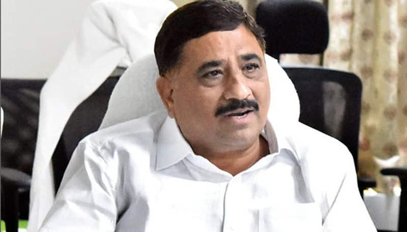 kalva srinivasulu shocking comments on ysrcp mps delhi tour