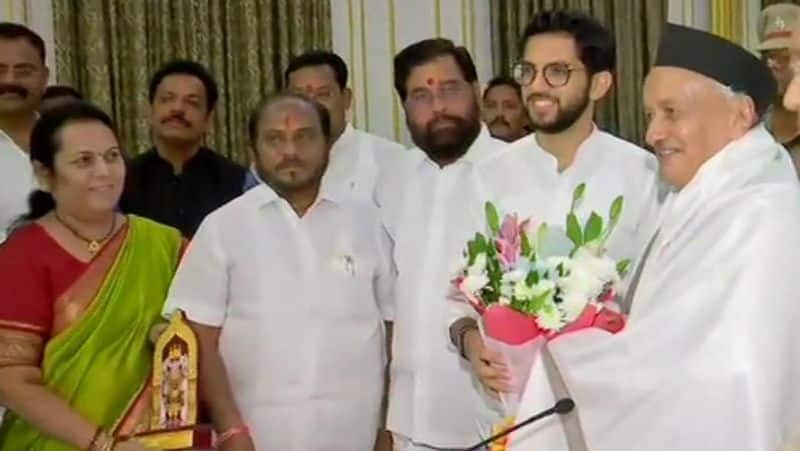 Something is going on in Congress and Shiv Sena, Congress MLA meets Uddhav Thackeray