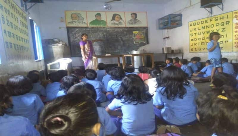 Teachers of primary schools in Bibhum will not be able to carry mobile phones in classes