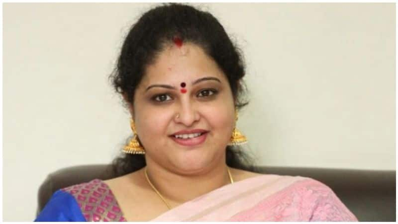 actress manthra home raided by income tax officials