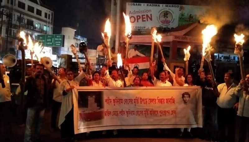 Bengalis of Jharkand protest on demolition of Khudiram Bose statue