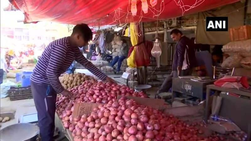 Onion prices hikes in rocket speed again, close to Rs 100 per kg in some states