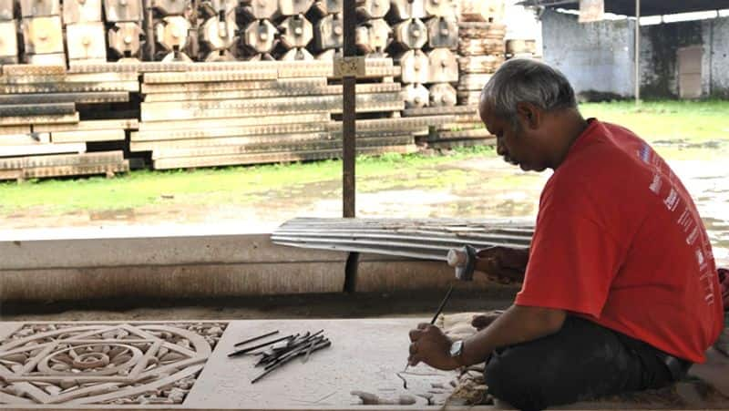 Learn why VHP stopped the work of carving stone in Ayodhya