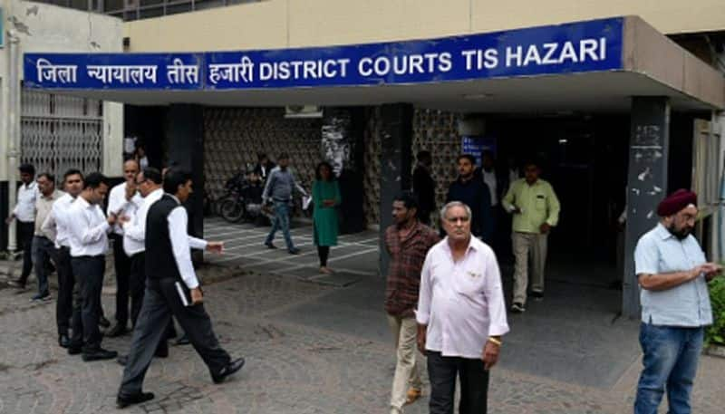 A top woman officer of Delhi police was attacked by a mob of lawyers during Tis Hazari Clash