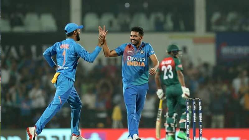 Ex Cricketers congratulates Deepak Chahar for his brilliant bowling