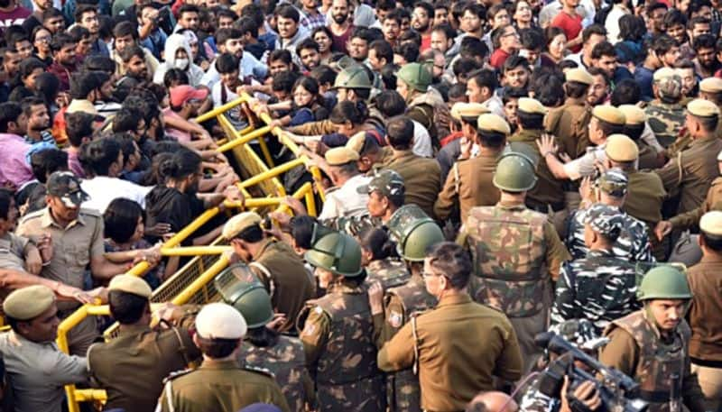 JNU Students protest, HRD Minister gives assurance to solve their issues